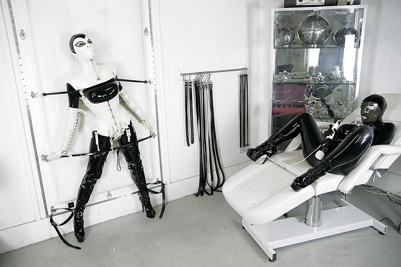 Rubber Folly Fetish latex video with Mrs Kitsch